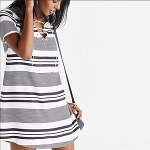 Express Stripped Dress (MUST HAVE)